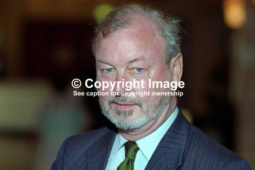 Derek Enright, MP, Labour Party, politician, UK, 19921005DE1..Copyright Image from Victor Patterson, 54 Dorchester Park, Belfast, UK, BT9 6RJ..Tel: +44 28 9066 1296.Mob: +44 7802 353836.Voicemail +44 20 8816 7153.Skype: victorpattersonbelfast.Email: victorpatterson@me.com.Email: victorpatterson@ireland.com (back-up)..IMPORTANT: If you wish to use this image or any other of my images please go to www.victorpatterson.com and click on the Terms & Conditions. Then contact me by email or phone with the reference number(s) of the image(s) concerned.