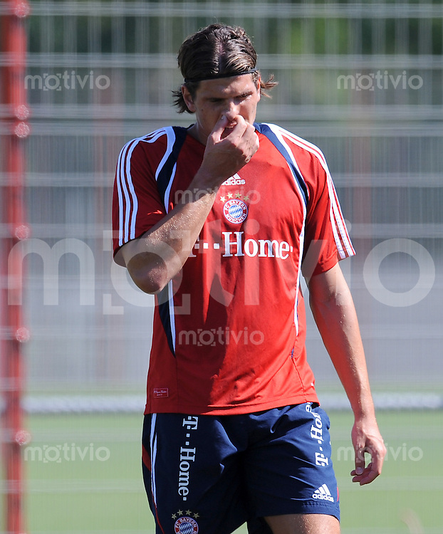 1. Fussball Bundesliga :  Saison   2009/2010   24.08..2009 Training beim FC Bayern Muenchen Mario Gomez (FCB)