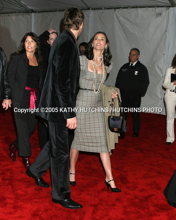 ASHTON KUTCHER.DEMI MOORE.GM TEN EVENT.LOS ANGELES, CA.FEBRUARY 22, 2005.©2005 KATHY HUTCHINS /HUTCHINS PHOTO..