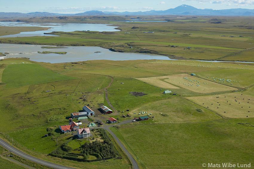 Þjórsártún, Ásahreppur, Hekla í bakgrunni /.Thjorsartun, Asahreppur, mount Hekla in background.