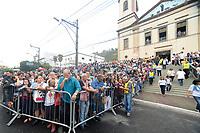 RIO DE JANEIRO, RJ, 15.06.2017 - PROCISSÃO-RJ - Procissão de Corpus Christi no maior tapete de sal da América Latina em São Gonçalo, região metropolitana do Rio de Janeiro, nesta quinta, 15. (Foto: Clever Felix/Brazil Photo Press)