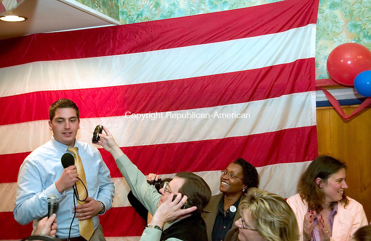 TORRINGTON, CT --11 NOVEMBER 2007- 110607JS03-Torrington Mayor Ryan Bingham thanks supporters after defeating challenger Tim Driscoll in Tuesday's election.<br /> Jim Shannon/Republican American