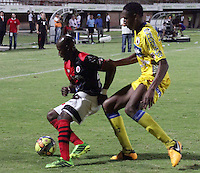 CUCUTA -COLOMBIA- 6 -10--2013. Accion de juego entre los equipos del Cucuta Deportivo   contra el Deportivo Pasto , partido correspondiente a la catorceava  fecha de La Liga Postobon segundo semestre jugado en el estadio General Santander/ Action game between teams against Deportivo Cucuta Deportivo Pasto, the fourteenth game in La Liga Postobon date second half played at General Santander Stadium.Photo: VizzorImage / Manuel Hernandez / Stringer