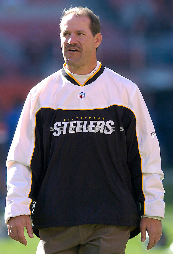 Bill Cowher the Pittsburgh Steelers v. Cleveland Browns game on November 14, 2004...Steelers win 24-10..Chris Bernacchi / SportPics