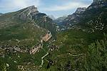 Canyon d'Anisclo et Mont Perdu au fond vu depuis la route menant à Vio . Parc national D'ordesa et du Mont Perdu. Patrimoine mondial de l'Unesco. Espagne.The Spanish Pyrenees. Spain.