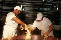 Produzione Parmigiano e Grana Padano