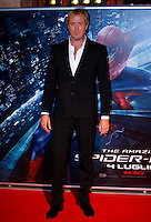 """L'attore britannico Rhys Ifans posa  sul tappeto rosso dell'anteprima del film """"The Amazing Spider-Man"""" a Roma, 22 giugno 2012..British actor Rhys Ifans poses on the red carpet of the movie """"The Amazing Spider-Man"""" premiere in Rome, 22 june 2012..UPDATE IMAGES PRESS/Isabella Bonotto"""