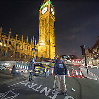 Londra il giorno dopo l'incidente a Westminster.<br /> Troupe della RAI davanti al Big Ben, molto vicina al luogo dell'incidente<br /> <br /> London: the day after the accident in Westminster. An Italian television crew in front of the Big Ben, very close at the accident site.