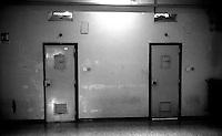 Roma 2000.Rebibbia, Carcere Femminile. Sezione Cellulare.Rome 2000.Rebibbia Prison Women.