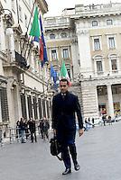 Roma, 15 Gennaio 2016<br /> Piazza Colonna, Luigi Di Maio del M5S davanti Palazzo Chigi