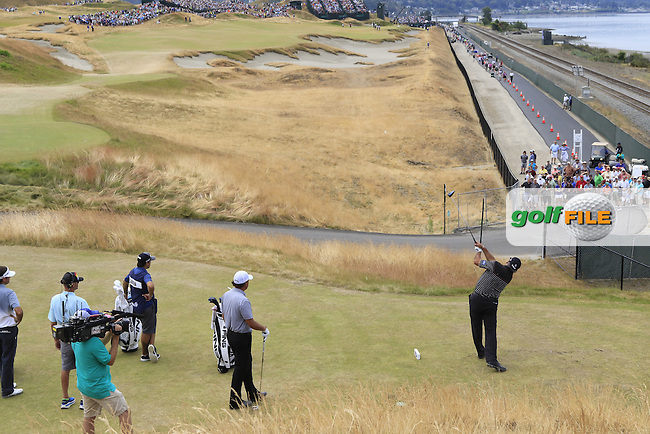 Angel Cabrera (ARG) tees off the 16th tee during Thursday's Round 1 of the 2015 U.S. Open 115th National Championship held at Chambers Bay, Seattle, Washington, USA. 6/18/2015.<br /> Picture: Golffile | Eoin Clarke<br /> <br /> <br /> <br /> <br /> All photo usage must carry mandatory copyright credit (&copy; Golffile | Eoin Clarke)