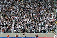BELO HORIZONTE, MG, 08 MAIO 2013 - LIBERTADORES - ATLÉTICO MG X SAO PAULO - torcida  do Atlético Mineiro comemorando gol de Jô durante  partida contra o Sao Paulo, jogo valido pela partida de volta das oitavas de finais da Taça Libertadores da América no estádio Independencia em Belo Horizonte, na noite desta quarta-feira, 08. FOTO: NEREU JR / BRAZIL PHOTO PRESS).