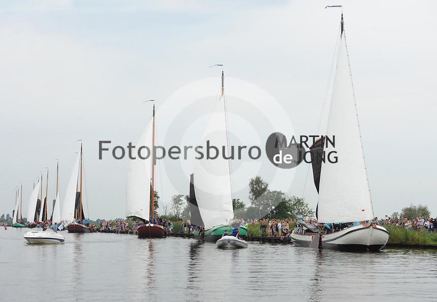 ZEILSPORT: EARNEWÂLD: 08-08-2017, SKS Skûtsjesilen, ©foto Martin de Jong