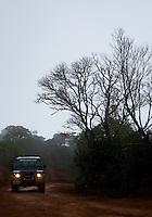 Alto Caparao_MG, Brasil...Jipe na estrada de terra no Parque Nacional do Caparao...The jeep in the land road in the National Park of Caparao...Foto: BRUNO MAGALHAES / NITRO