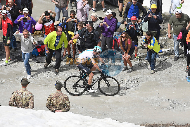Chris Froome (GBR) Team Sky attacks 80km out on the Colle delle Finestre during Stage 19 of the 2018 Giro d'Italia, running 185km from Venaria Reale to Bardonecchia featuring the Cima Coppi of this Giro, the highest climb on the Colle delle Finestre with its gravel roads, before finishing on the final climb of the Jafferau, Italy. 25th May 2018.<br /> Picture: LaPresse/Fabio Ferrari | Cyclefile<br /> <br /> <br /> All photos usage must carry mandatory copyright credit (© Cyclefile | LaPresse/Fabio Ferrari)