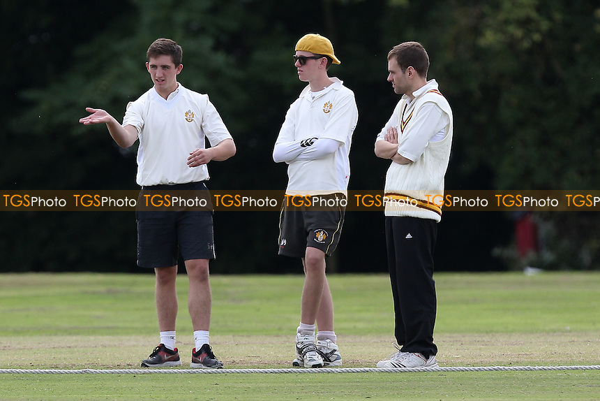 Gidea Park & Romford CC vs Horndon-on-the-Hill CC - Essex Cricket League at Gallows Corner - 30/08/14 - MANDATORY CREDIT: Gavin Ellis/TGSPHOTO - Self billing applies where appropriate - contact@tgsphoto.co.uk - NO UNPAID USE