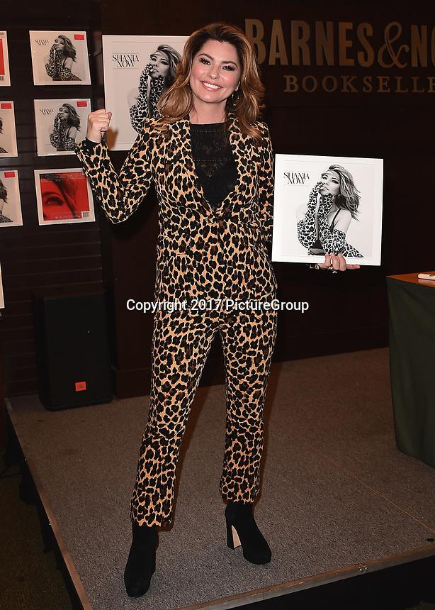 LOS ANGELES - SEPTEMBER 29:  Shania Twain at Barnes & Noble at The Grove on September 19, 2017 in Los Angeles, California. (Photo by Scott Kirkland/PictureGroup)