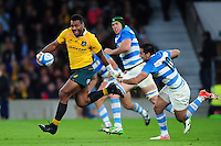 Samu Kerevi of Australia takes on the Argentina defence. The Rugby Championship match between Argentina and Australia on October 8, 2016 at Twickenham Stadium in London, England. Photo by: Patrick Khachfe / Onside Images