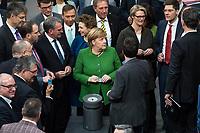 """Sitzung des Deutschen Bundestag am Donnerstag den 21. Februar 2019.<br /> Im Bild: Die Abgeordneten stimmen namentlich ueber die Aenderung des Grundgesetzes zur Einfuehrung des sog. """"Digitalpakt"""". Mit gruener Anzugjacke, Bundeskanzlerin Angela Merkel, CDU. Rechts hinter der Bundeskanzlerin, Bundesforschungsministerin Anja Karliczek, CDU.<br /> 21.2.2019, Berlin<br /> Copyright: Christian-Ditsch.de<br /> [Inhaltsveraendernde Manipulation des Fotos nur nach ausdruecklicher Genehmigung des Fotografen. Vereinbarungen ueber Abtretung von Persoenlichkeitsrechten/Model Release der abgebildeten Person/Personen liegen nicht vor. NO MODEL RELEASE! Nur fuer Redaktionelle Zwecke. Don't publish without copyright Christian-Ditsch.de, Veroeffentlichung nur mit Fotografennennung, sowie gegen Honorar, MwSt. und Beleg. Konto: I N G - D i B a, IBAN DE58500105175400192269, BIC INGDDEFFXXX, Kontakt: post@christian-ditsch.de<br /> Bei der Bearbeitung der Dateiinformationen darf die Urheberkennzeichnung in den EXIF- und  IPTC-Daten nicht entfernt werden, diese sind in digitalen Medien nach §95c UrhG rechtlich geschuetzt. Der Urhebervermerk wird gemaess §13 UrhG verlangt.]"""