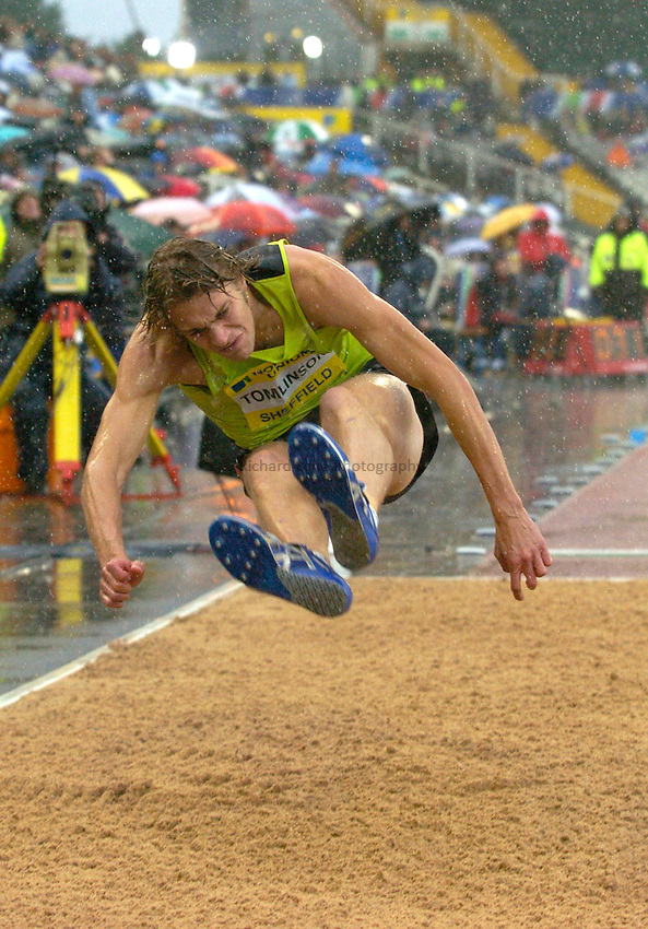 Photo: Richard Lane/Sportsbeat Images..Norwich Union British Grand Prix, Sheffield. 15/07/2007. .Chris Tomlinson of Great Britain in the men's long jump.