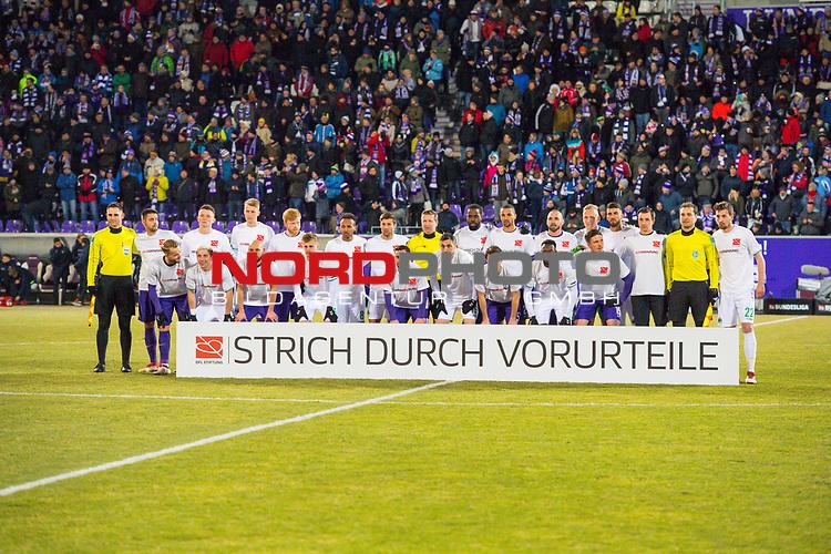 i19.03.2018, Erzgebirgsstadion, Aue, GER, 2. FBL, FC Erzgebirge Aue vs. SpVgg Greuther F&uuml;rth/Fuerth, im Bild<br /> <br /> <br /> Pyrofeuerwerk von den Fans der SpVgg Greuther F&uuml;rth/Fuerth<br /> <br /> Foto &copy; nordphoto / Dostmann