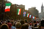 Runners gather at the starting line of the Philadelphia Marathon on Benjamin Franklin Parkway in Philadelphia, Pennsylvania on November 19, 2006.
