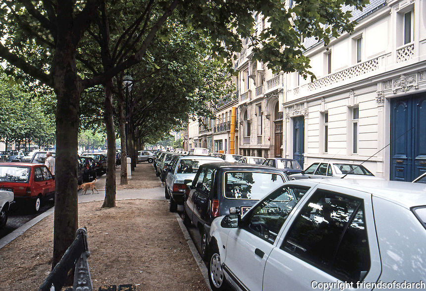 Paris: Avenue de Villars near Invalides--cars parked everywhere. Photo '90.