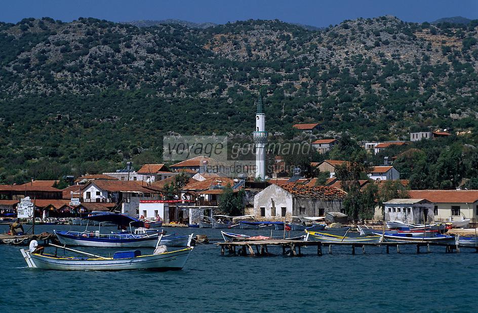 Europe/Turquie/Kalekoy : La côte et le petit port
