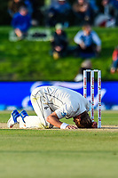 Neil Wagner of the Black Caps misses a run out chance during Day 3 of the Second International Cricket Test match, New Zealand V England, Hagley Oval, Christchurch, New Zealand, 1st April 2018.Copyright photo: John Davidson / www.photosport.nz