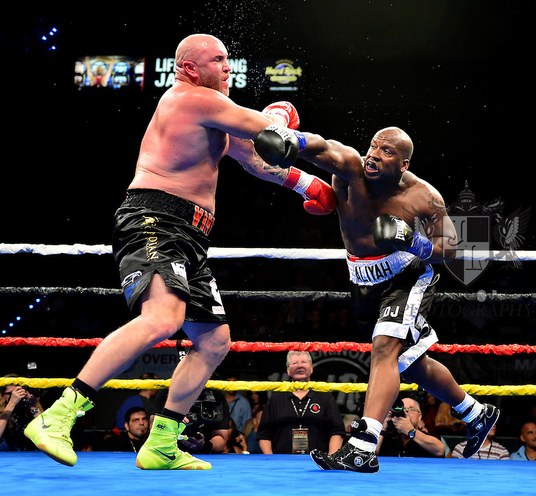 HOLLYWOOD, FL - SEPTEMBER 05: Antonio Robertson (R), fight Erik Leander during the World Heavyweight Champions Fight Night at Hard Rock Live! in the Seminole Hard Rock Hotel & Casino on September 5, 2015 in Hollywood, Florida. Briggs won the bout by second round KO. ( Photo by Johnny Louis / jlnphotography.com )