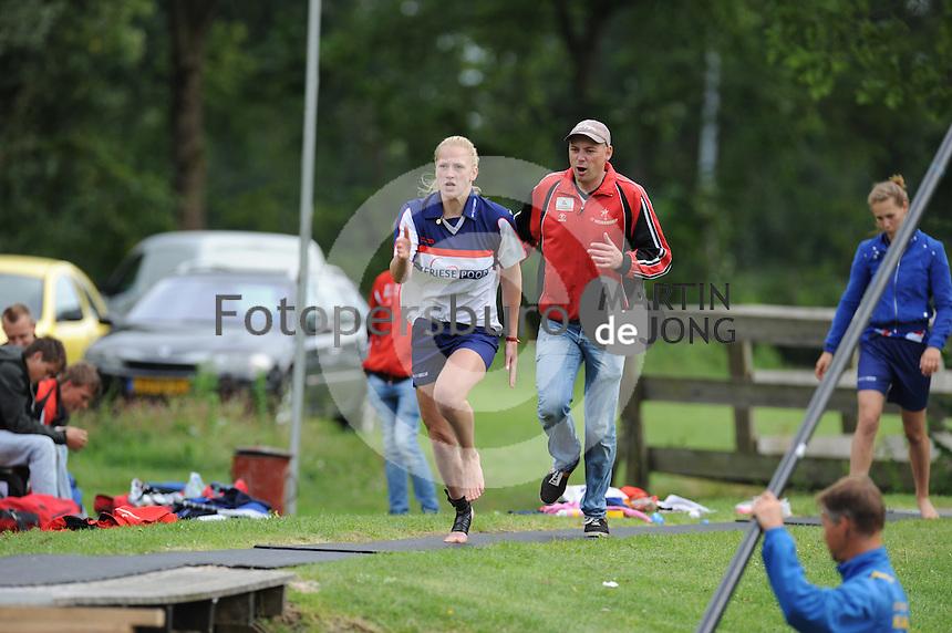 FIERLJEPPEN: GRIJPSKERK: Fierljepaccomodatie 'De Enk', 16-08-2014, ROC Friese Poort competitie 2014, Marrit van der Wal, ©foto Martin de Jong