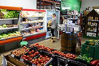 SPAIN Mallorca, Soller, cooperativa agricola de Soller Sant Bartomeu, selling of local products / SPANIEN Mallorca, Verkauf lokaler Produkte