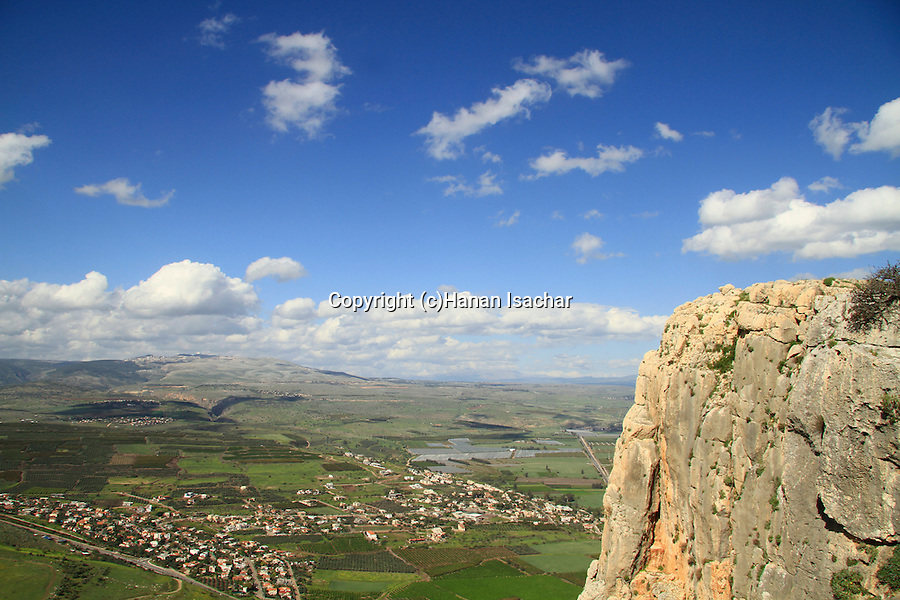 Israel, Lower Galilee, Arbel Cliff overlooking Migdal