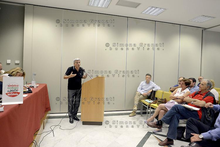Roma, 9 Luglio 2012.Centro congressi Cavour.Assemblea della direzione del Partito Sinistra ecologia e Libertà, il presidente Nichi Vendola durante la relazione finale