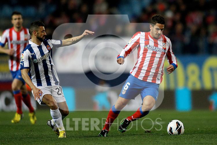 Atletico de Madrid's Koke and Espanyol's Simao during La Liga  match. February 24,2013.(ALTERPHOTOS/Alconada)