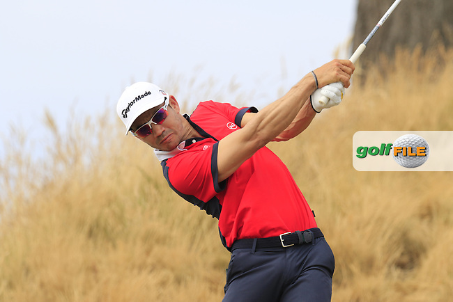 Camilo Villegas (COL) tees off the 16th tee during Thursday's Round 1 of the 2015 U.S. Open 115th National Championship held at Chambers Bay, Seattle, Washington, USA. 6/19/2015.<br /> Picture: Golffile | Eoin Clarke<br /> <br /> <br /> <br /> <br /> All photo usage must carry mandatory copyright credit (&copy; Golffile | Eoin Clarke)