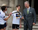 Le Roi Philippe fait la passation de flambeau pour les Specials Olympics Games