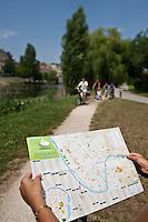 Europe/France/Aquitaine/24/Dordogne/Périgueux: Détente sur  la voie verte qui longe l'Isle et traverse l'agglomération