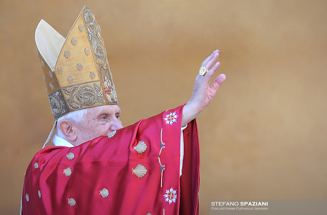 Pope Benedict XVI leads the Palm Sunday mass in Saint Peter's Square at the Vatican on 28 March 2010.