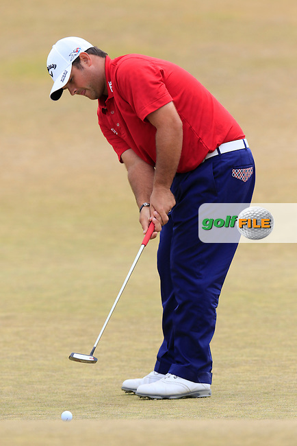 Patrick Reed (USA) takes his putt on the 17th green during Thursday's Round 1 of the 2015 U.S. Open 115th National Championship held at Chambers Bay, Seattle, Washington, USA. 6/18/2015.<br /> Picture: Golffile | Eoin Clarke<br /> <br /> <br /> <br /> <br /> All photo usage must carry mandatory copyright credit (&copy; Golffile | Eoin Clarke)