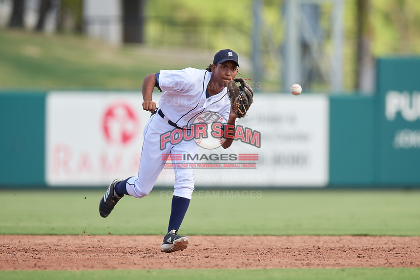Detroit Tigers Jose King (17) fields a ground ball during a Florida Instructional League game against the Pittsburgh Pirates on October 6, 2018 at Joker Marchant Stadium in Lakeland, Florida.  (Mike Janes/Four Seam Images)