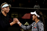Amanda Anisimova de Estados Unidos, es felicitada por Maria Camila Osorio de Colomba, después de partido por el Claro Colsanitas WTA, que se realiza en el Carmel Club en la ciudad de Bogotá. / Amanda Anisimova of United States, is congratulated by Maria Camila Osorio of Colombia, after their match for the WTA Claro Colsanitas, which takes place at Carmel Club in Bogota city. / Photo: VizzorImage / Luis Ramírez / Staff.
