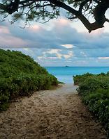 Sunset at Kalama Beach Park. Oahu, Hawii