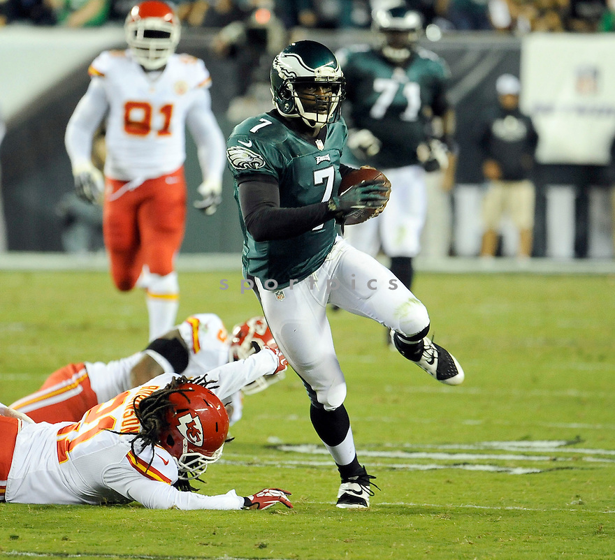 Philadelphia Eagles Michael Vick (7) during a game against the Kansas City Chiefs on September 14, 2013 at Lincoln Financial Field in Philadelphia, PA. The Chiefs beat the Eagles 26-16.