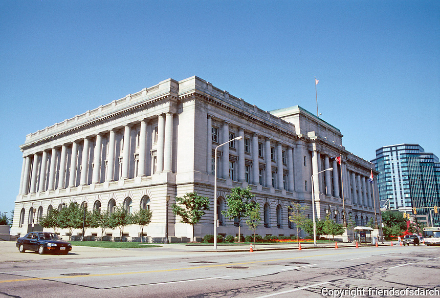 Cleveland: Cleveland City Hall, 1916, 601 Lakeside Ave. Third building of the Group Plan. Architect J. Milton Dyer. Photo '01.