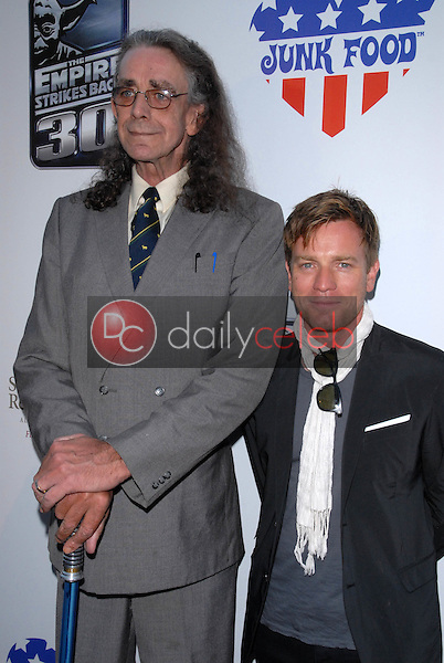Peter Mayhew and Ewan McGregor<br />