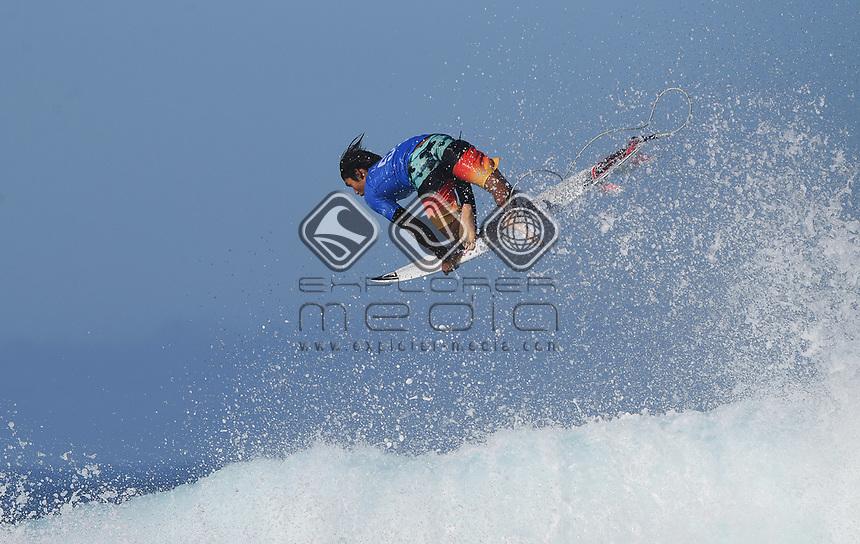 USA's Kanoa Igarashi.<br /> 2017 Billabong Pipe Masters, Oahu, Hawaii, USA. World Surf League (WSL). Monday 18 December 2017. &copy; Copyright photo: Andrew Cornaga / www.photosport.nz