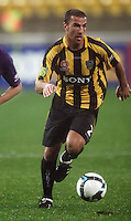Phoenix' Manny Muscat during the A-League football match between Wellington Phoenix and Perth Glory at Westpac Stadium, Wellington, New Zealand on Sunday, 16 August 2009. Photo: Dave Lintott / lintottphoto.co.nz
