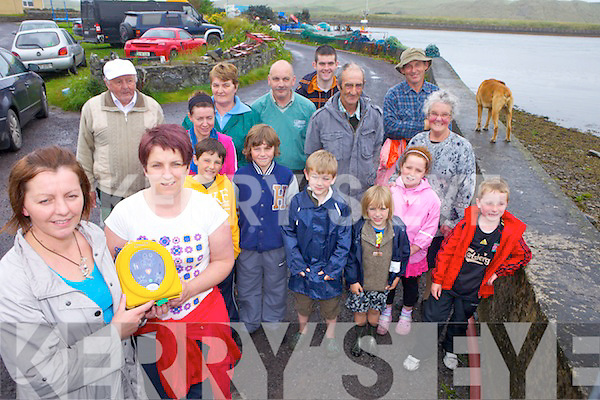 DEFIBRILLATOR: Members of the Cashen community near Ballyduff who have raised funds to provide a defibrillator for the community, front Elaine Freemantle and Mags Scanlon. Also included at back, John Michael Kindelin, Jack Farrell, Ethan Freemantle, Alez Freemantle, Aoife Scanlon, Darragh Scanlon, Chas Laide, Noreen Farrell, Chrissie Laide, Nicky Leen, Jeremiah O'Neill, Donie O'Sullivan, Joan O'Neill.