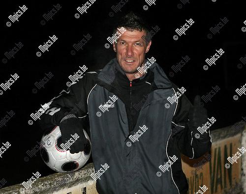 2010-03-02 / Voetbal / seizoen 2009-2010 / Meerle / Henk Vos ..Foto: mpics